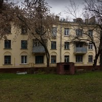 дом в три этажа :: Александр Шурпаков