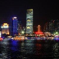 Огни ночного Шанхая :: Владимир КРИВЕНКО