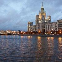 дом на котельнической :: Александр Шурпаков