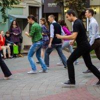 Карл Маркс стрит. Танцы. :: G Nagaeva