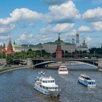 летний день на Москве реке. :: Sergey Samoylov
