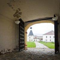 ворота в монастырь :: ник. петрович земцов