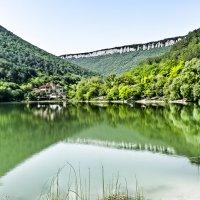 Зелёное озеро :: Александр Ширяев