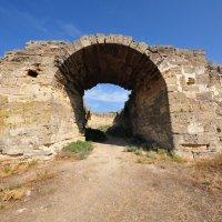 Крепость Еникале. Северные (Джанкойские) ворота :: Летечко *