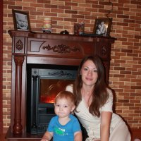 мама с сыном у камина :: Татьяна Шелковская