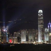 Ночной Гонконг :: Геннадий Мельников