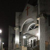 Ночная церковь... :: Алексей Клюжин