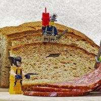 Приготовление бутерброда :: Андрей Качин