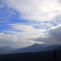 Бескрайнее небо над Говерлой. :: Ирина Россинская