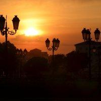 Фонари зажигаются на закате :: Зубаир Байраков