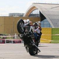 Ден может выставить практически любой мотоцикл... :: Сергей Румянцев