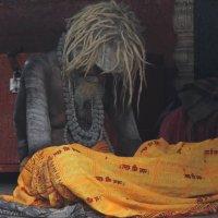 Holy man. Varanasi. India. :: Eva Langue