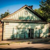 Сколько всего интересного видел этот дом на своем веку.... :: Виталий Ахмедьянов