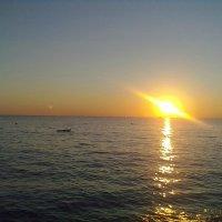НЛО погружается в море. :: Delete Delete