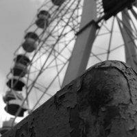 заброшенное колесо обазрения :: Денис Шевцов