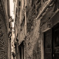 Венеция. Улица-переулок :: Аркадий Беляков