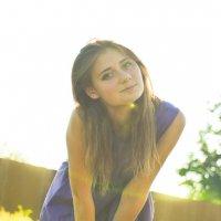 девушка в лучах солнца :: Алина Качайло