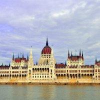Будапешт(Венгрия)Здание венгерского парламента :: Georg Förderer