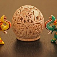 Индийские слоны в дереве и камне :: Владимир Шибинский