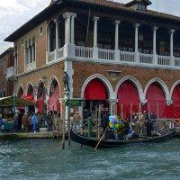 Венеция. Рынок на Большом канале :: Аркадий Беляков