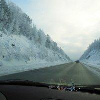 А за окном мелькают километры... :: Геннадий Ячменев