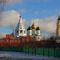 На территорию Коломенского кремля. :: Victor Klyuchev