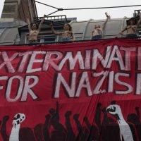 Евроинтеграция - хохлушки в Париже 3 :: Александр Беляков