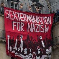 Евроинтеграция - хохлушки в Париже 2 :: Александр Беляков