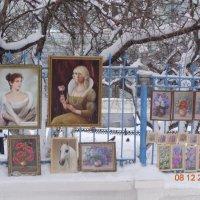 Картины на улице Большая Покровская. :: Ульяна Шнейц