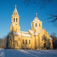 Церковь  в Лисино-Корпусе :: Сергей Тихонов