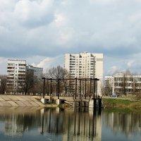 Мой район - ул Метромтроителей :: Владимир Кроливец