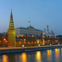 Кремлёвская набережная :: Валерий Шейкин