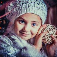 Снегурка Анечка :: Валерия Стригунова
