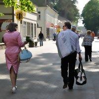 По главной улице с хорошим настроением :: Ирина Данилова
