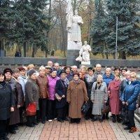 Памятник погибшим ваоинам :: Анатолий Шишканов