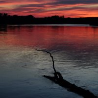 Закат на реке :: Наталия Ермакова