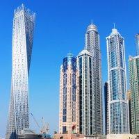 Вращающееся здание в Дубае :: Рустам Илалов