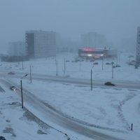 Северодвинск. А вот в разгаре дня - туман, из льдинок очень мелких... :: Владимир Шибинский
