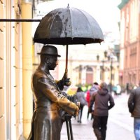 Памятник Фотографу :: Кирилл Ревенко