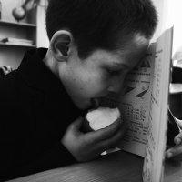 Елена Елеева - Мальчик с яблоком :: Фотоконкурс Epson