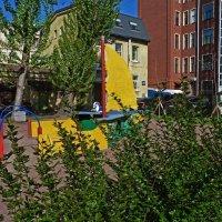 Детская площадка на Петроградской. :: Александр Лейкум