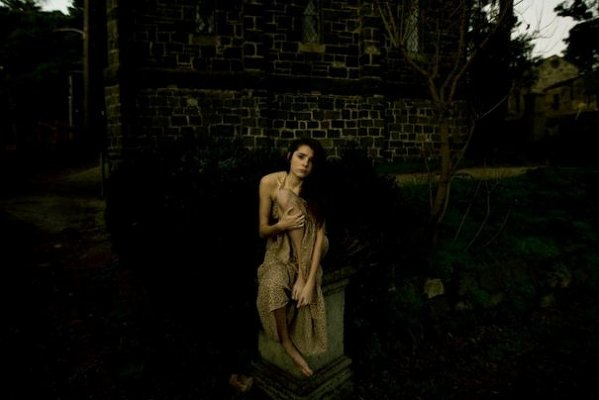Мрачные фото Тамары Дин