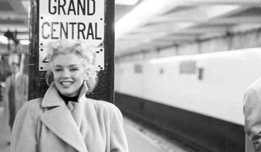 Мэрилин Монро, запечатленная Эдом Файнгершем в нью-йоркском метро