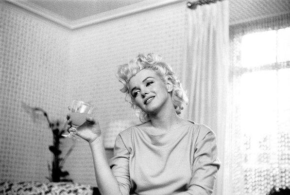 Портреты Мэрилин Монро в отеле «Амбассадор»