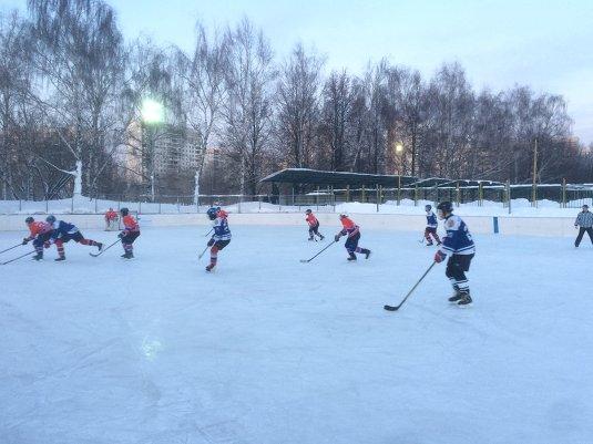 Соревнования по хоккею