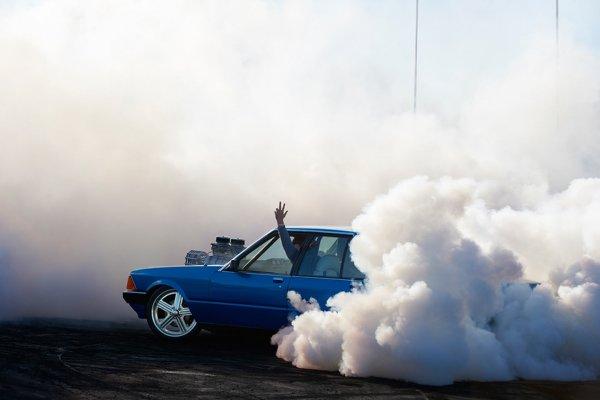 Захватывающие кадры с Burnout Competition
