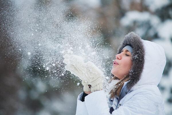 Какого цвета снежинки, или как избавиться от голубого снега?