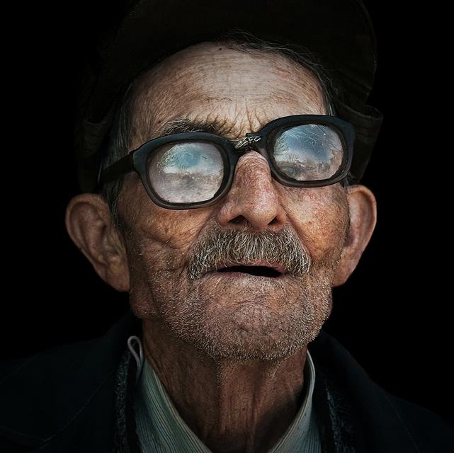 Очень интересны портреты пожилых