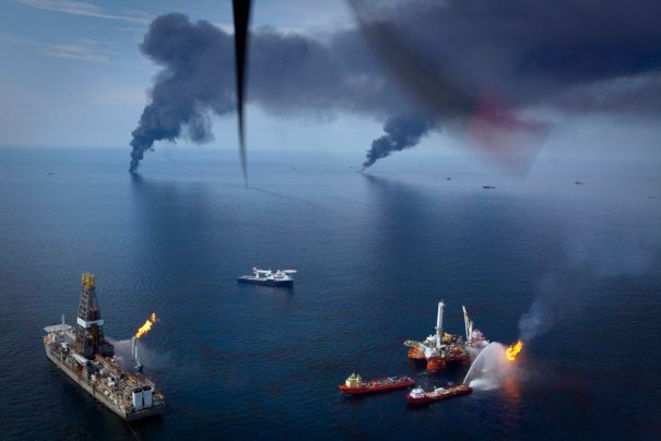 Пожар на нефтяных вышках, Мексиканский залив