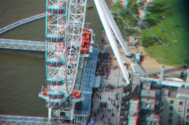 """Колесо обозрения """"Лондонский глаз"""" на реке Темзе"""